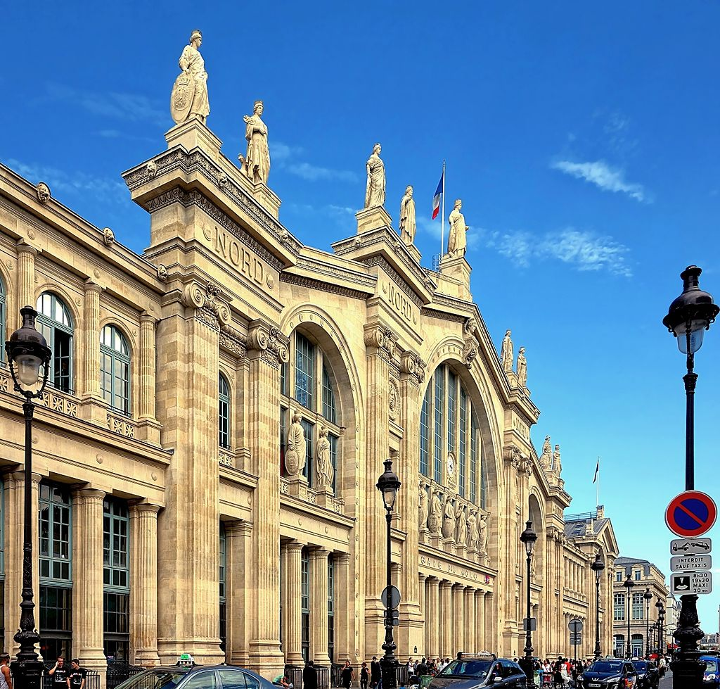 Paris Gare Du Nord Station - outside