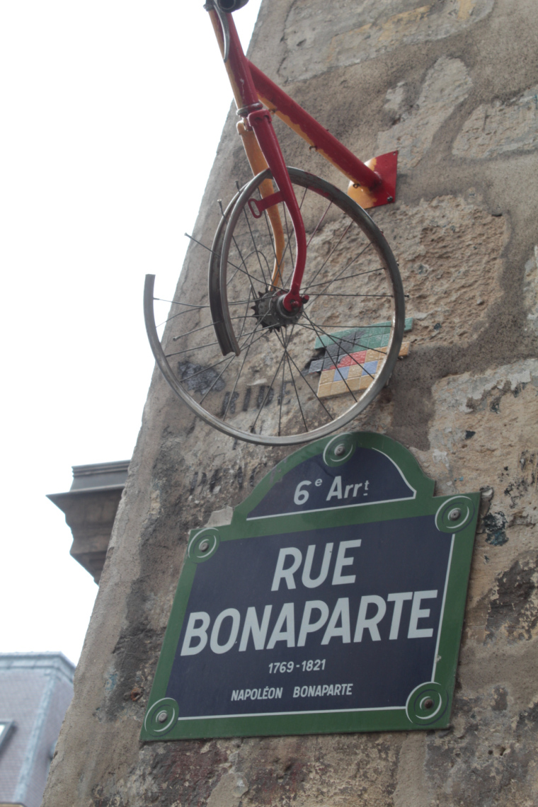 An unusual sign in Rue Bonaparte, Paris