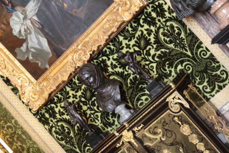 Green felt wallpaper in Versailles Palace