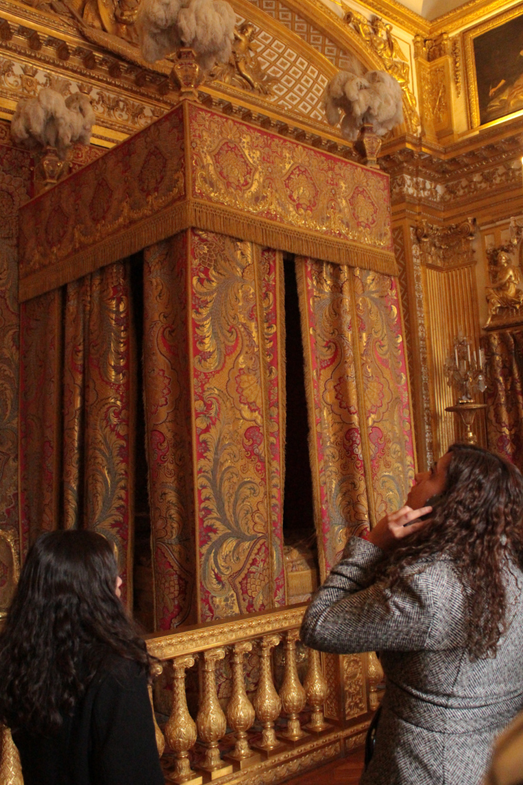 You're never alone in the King's bedroom in Versaille