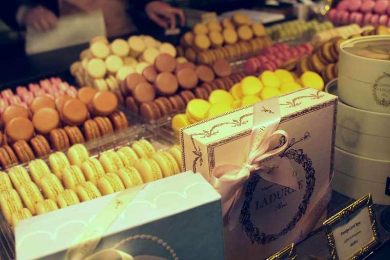 laduree macaroon gift boxes Paris