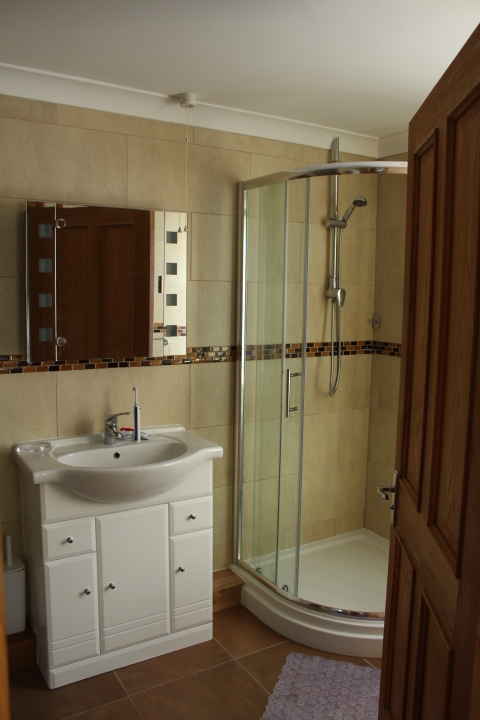 The bathroom in No.5 Appletree apartment, Beadnell, Northumberland