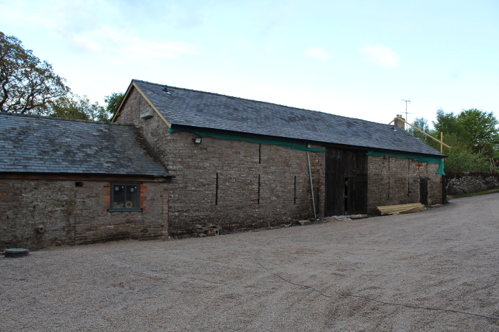 Drovers rest communal barn in hay on wye