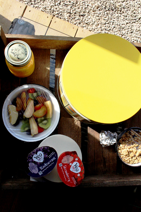 Breakfast at Drovers Rest glampsite, hay on wye