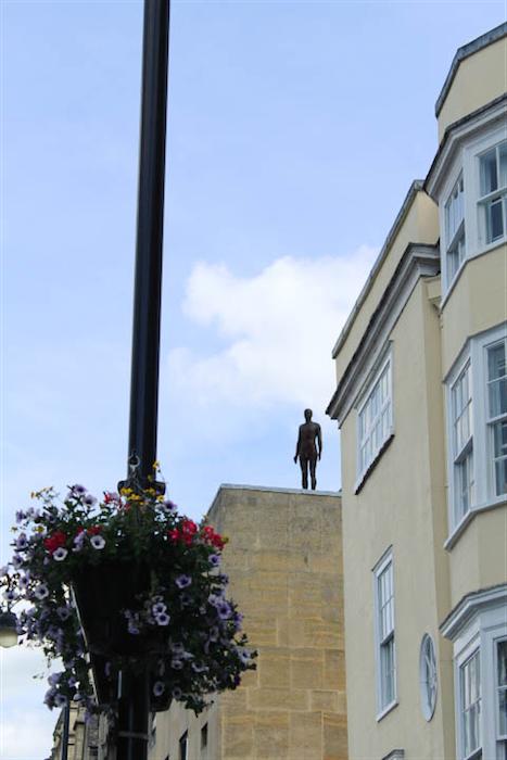 Antony Gormley sculpture oxford