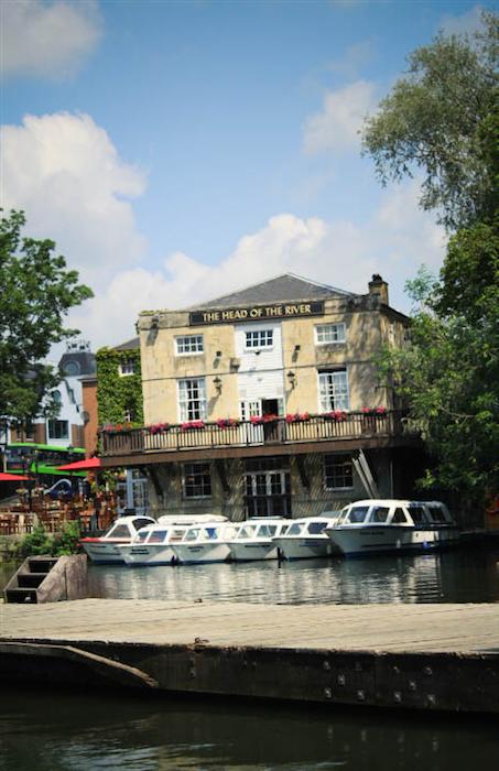 Head of river pub, oxford