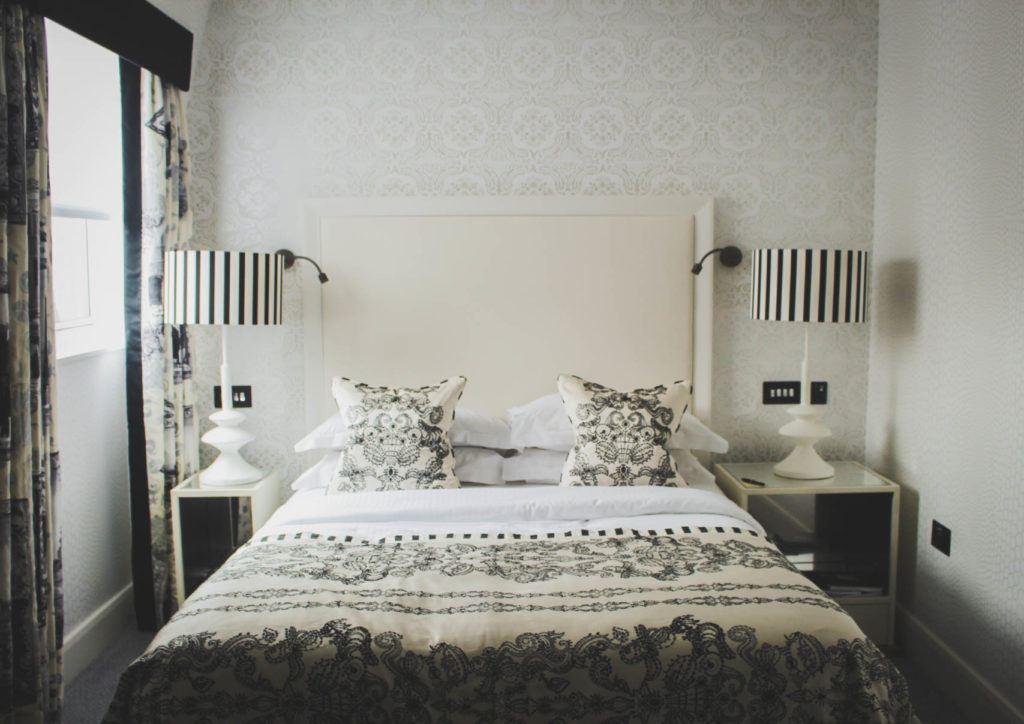 Classic La Croix Room at The Mandeville Hote =l London