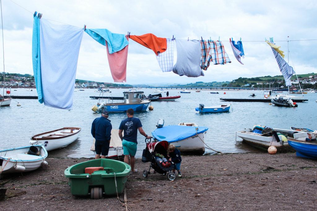 TEIGNMOUTH ESTUARY WITH WASHING LINE