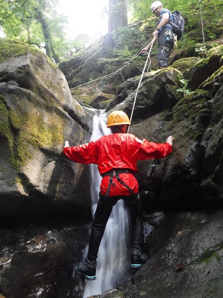 outdoor adventure gorge scrambling in the wye valley