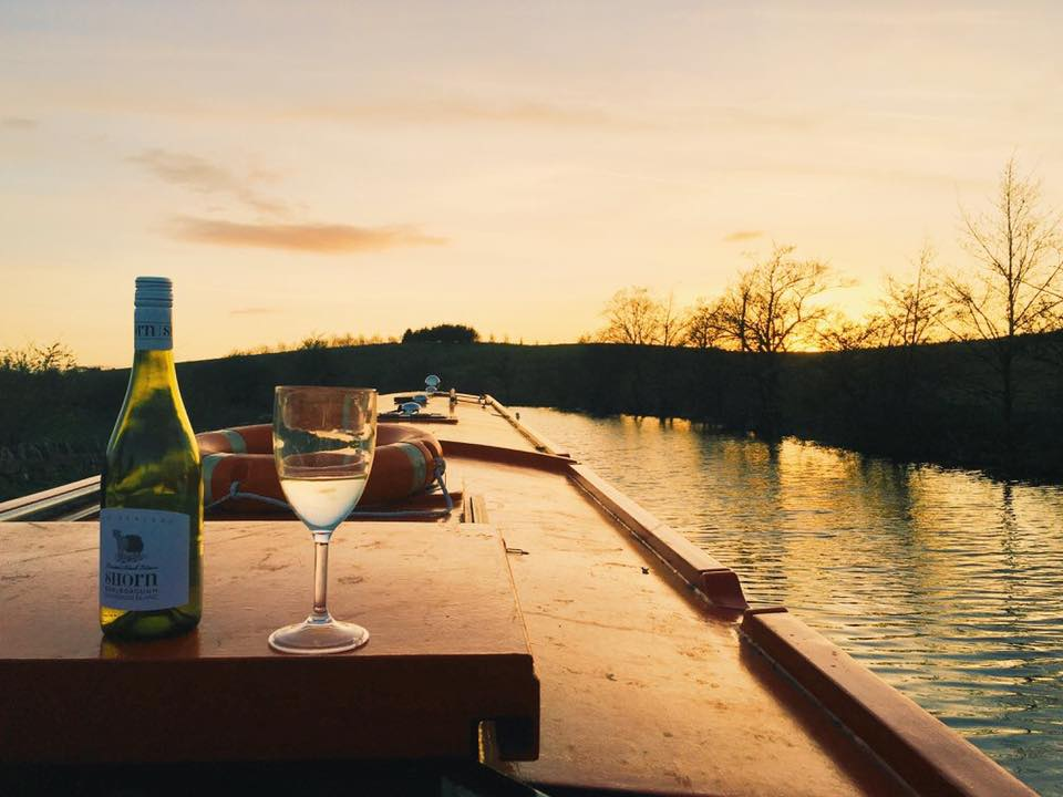 canal boat hire yorkshire - bearboating: sunset onboard