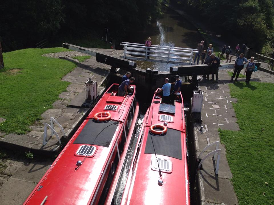 canal boat hire yorkshire - bearboating: locks