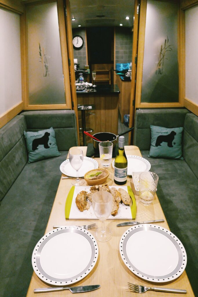 canal boat hire yorkshire - bearboating: dinner inside MollyMoo boat