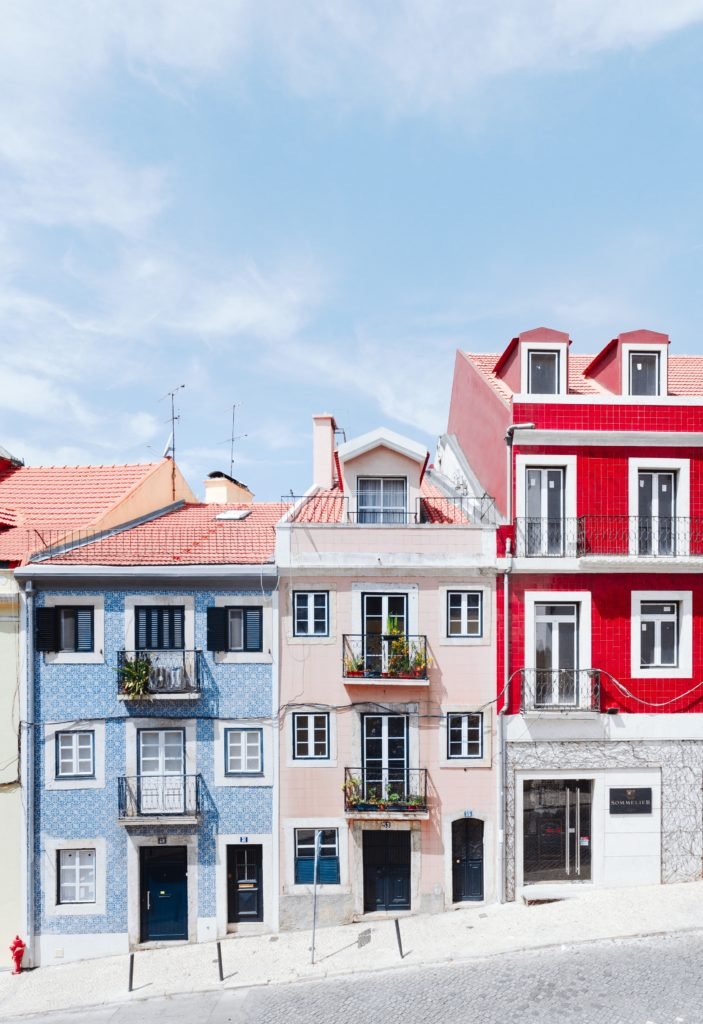 Colourful-houses-weekend
