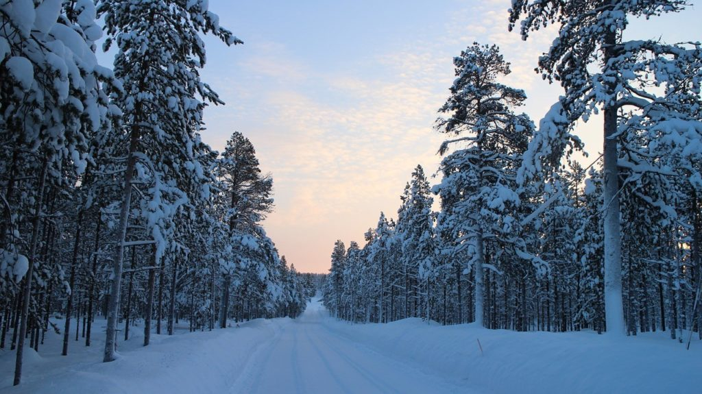snowy-road-1250967_1280-1024x575