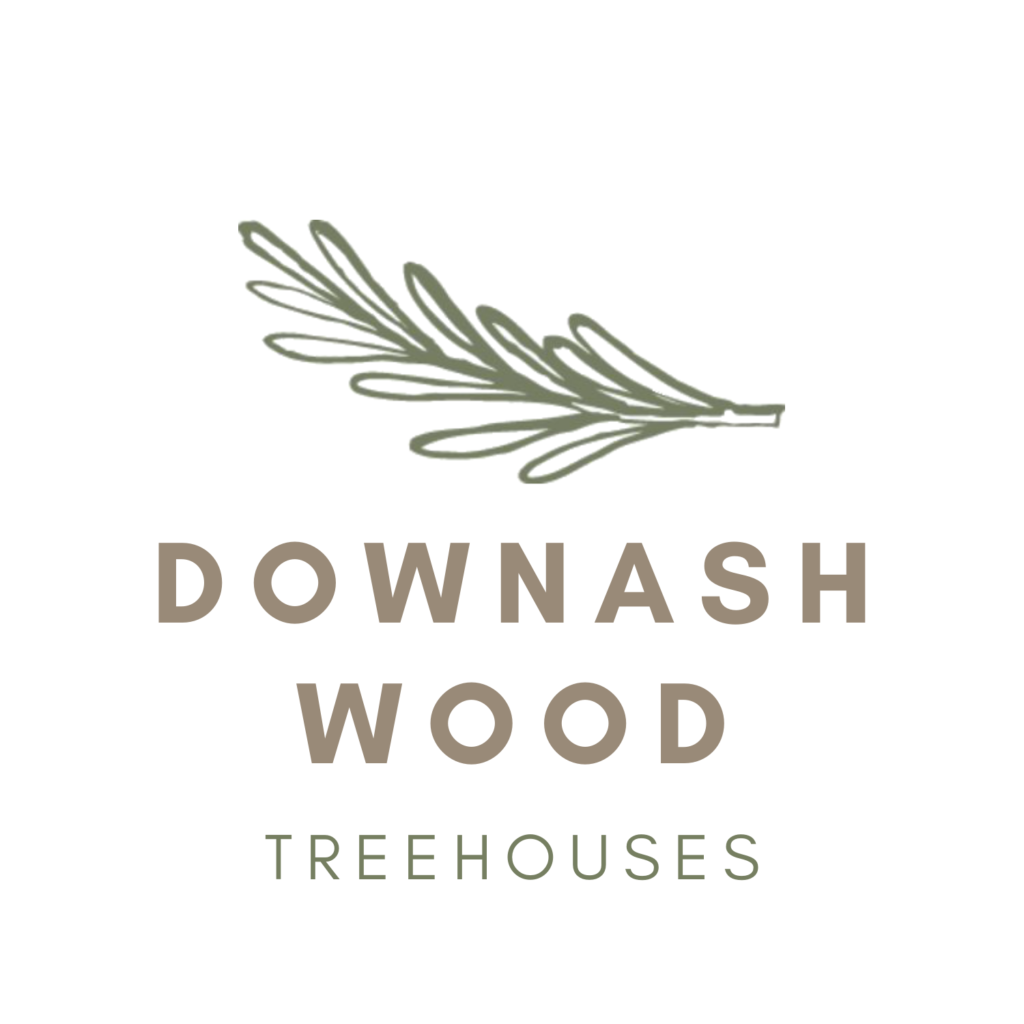 Downash wood treehouse logo
