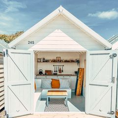 Cool Coastal Huts - Mersea 245 beach hut exterior