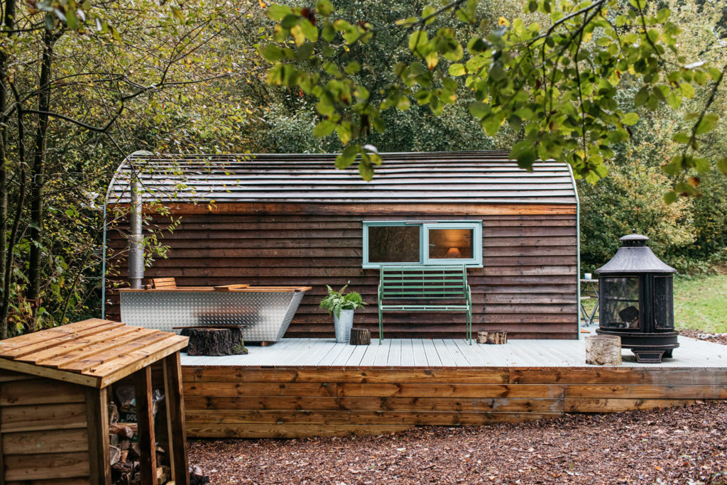 exterior of willow the wisp cabin sussex