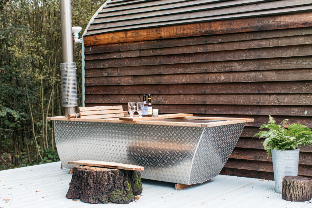 hikki hot tub at willow the wisp cabin sussex