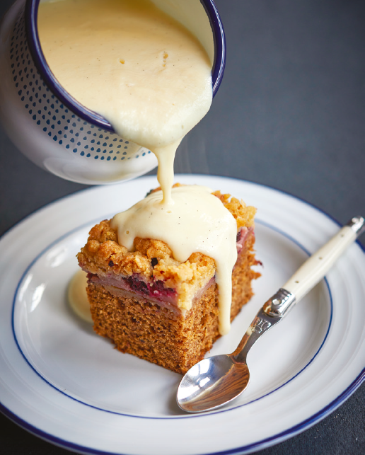 Sticky toffee crumble cake recipe by the Bishy Weigh