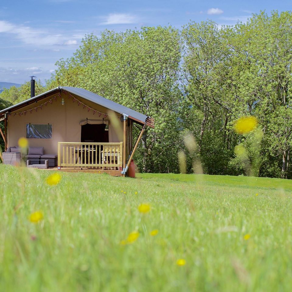 Drover's Rest Safari Tents Glamping, Hay On Wye, Exterior meadow