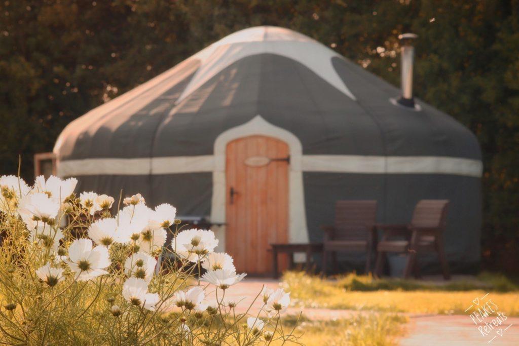 peakes retreat yurts in the peak district - yurt outside