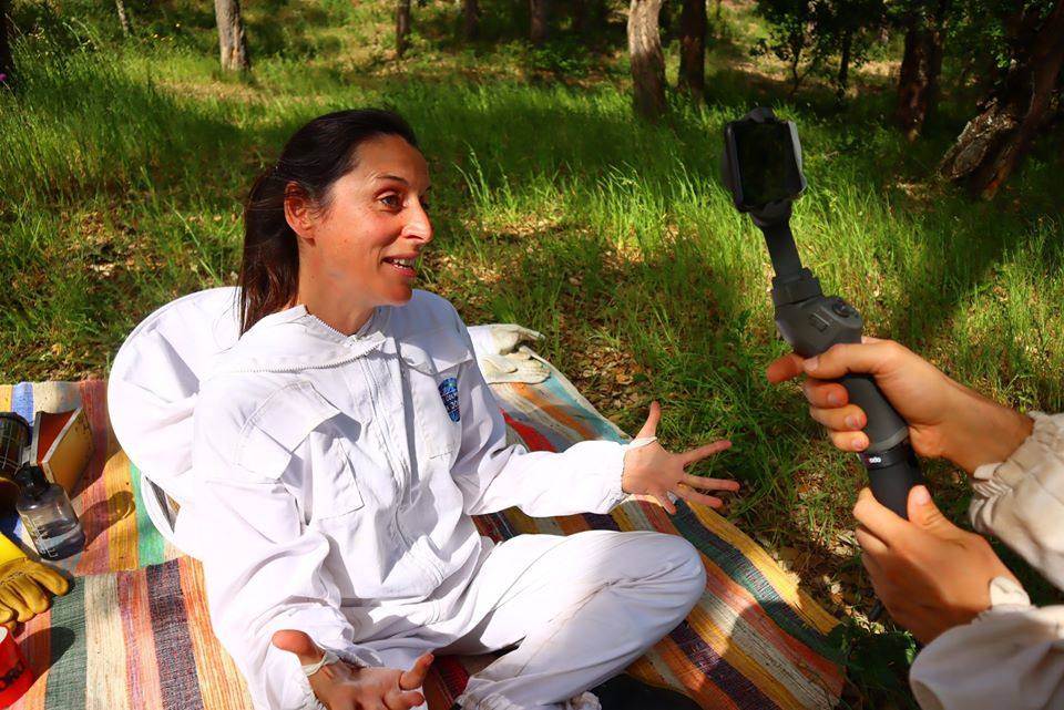 joana botto's beekeeping experience - chatting to camera