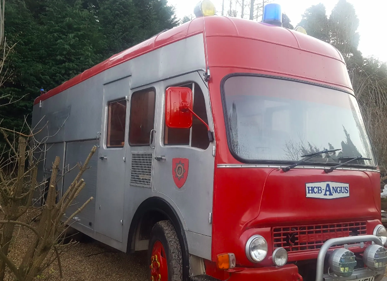 Blackberry Wood Glamping UK, fire engine