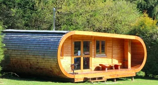 Blackberry Wood Glamping UK, curvy cabin