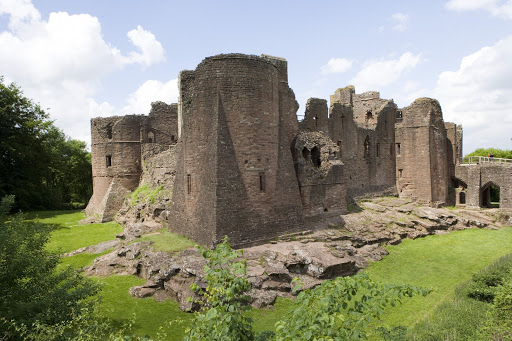 Goodrich Castle on Wye Tour