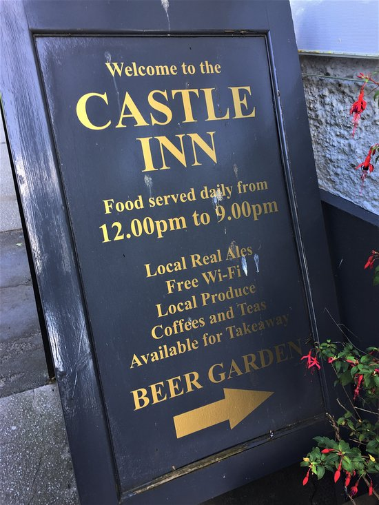 Castle Inn Hotel Northumberland, pub sign