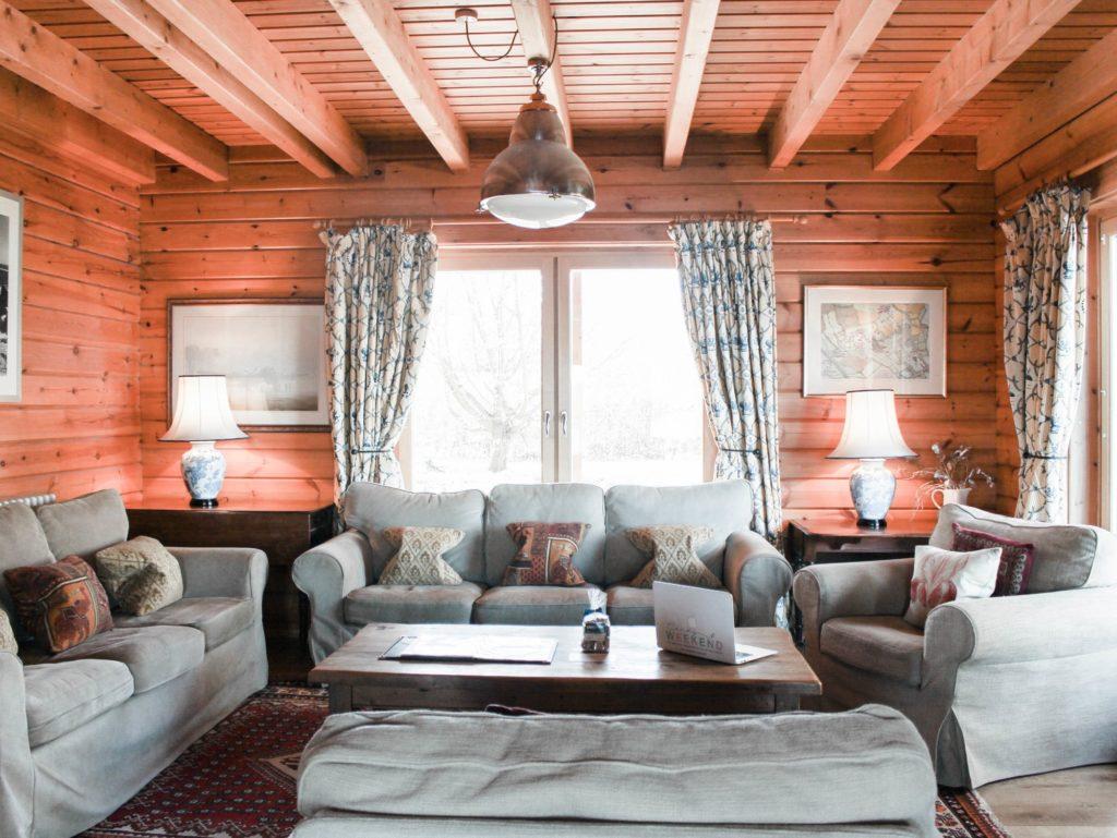 Moondara log cabin in Cotswolds living room
