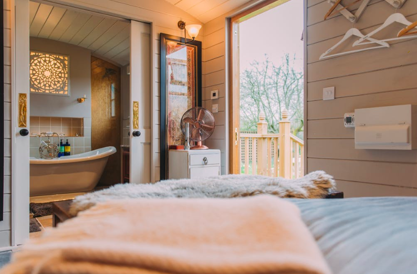 The Challoners Cabins in Sussex - bedroom and bathroom