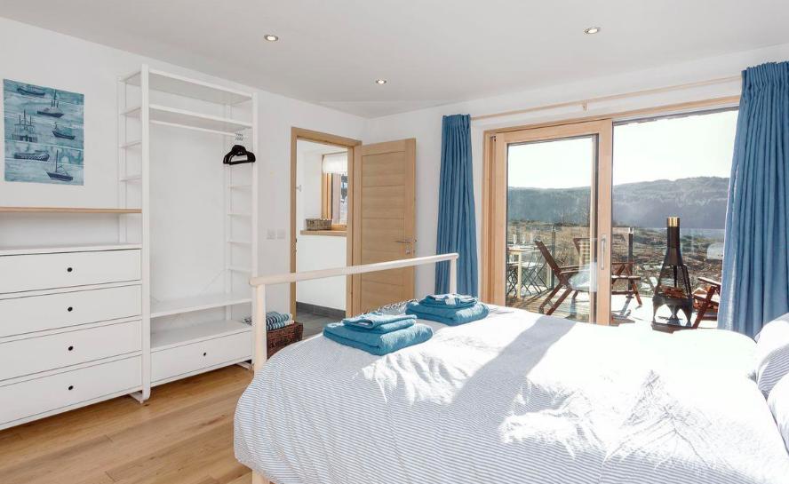 jill strawbale house the highlands scotland bedroom