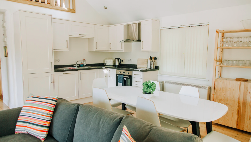 Water Lily Lodge in Essex - kitchen