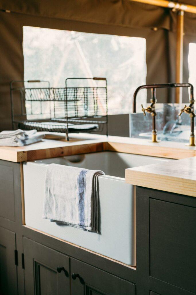exe valley safari tent devon - kitchen sink