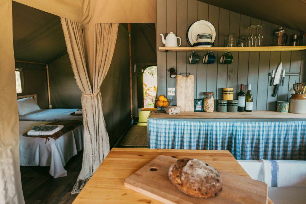 exe valley safari tent devon - kitchen view
