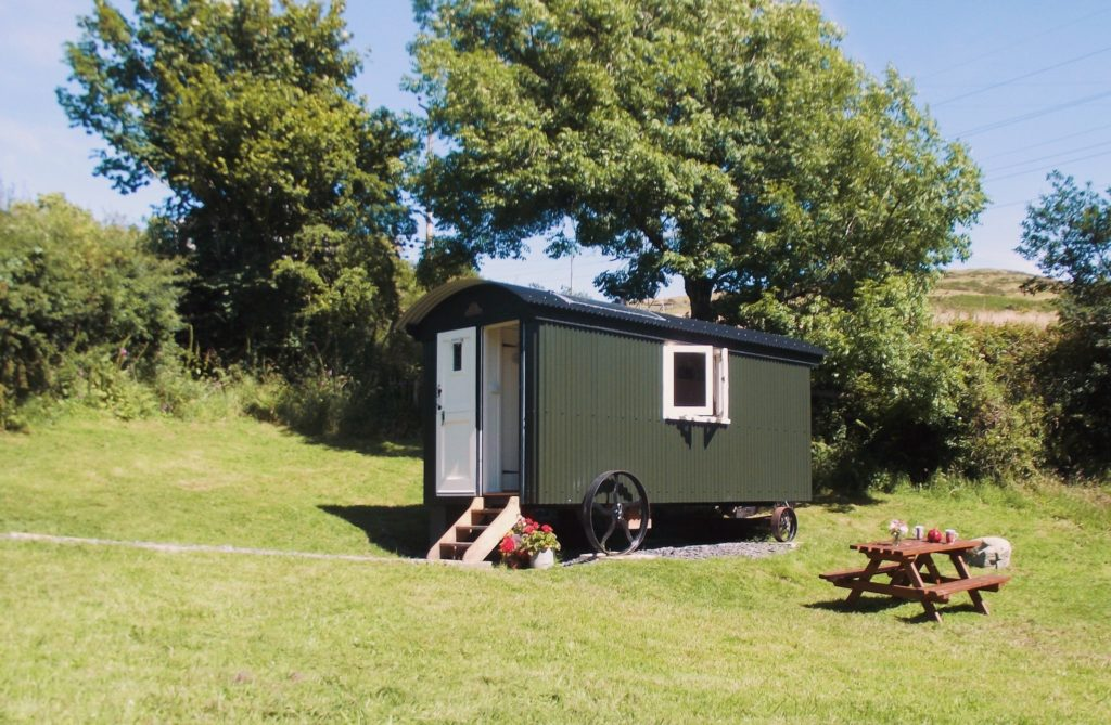The Hut in The Sheep Wash - Ulverston glamping