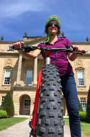 bath guided tour - lady with cycle