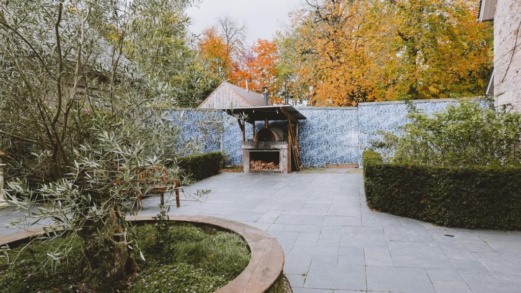 lemore manor coach house courtyard