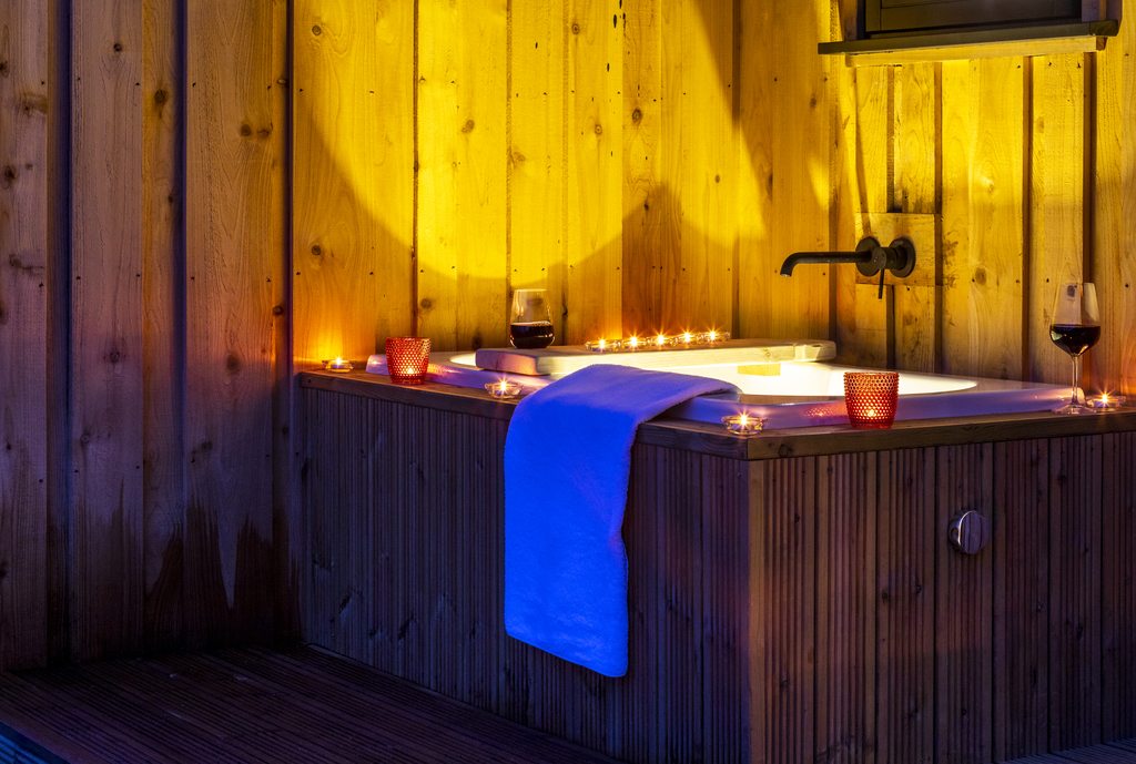 Forest of Dean Cabins at The Roost Glamping: the exterior japanese bathtub