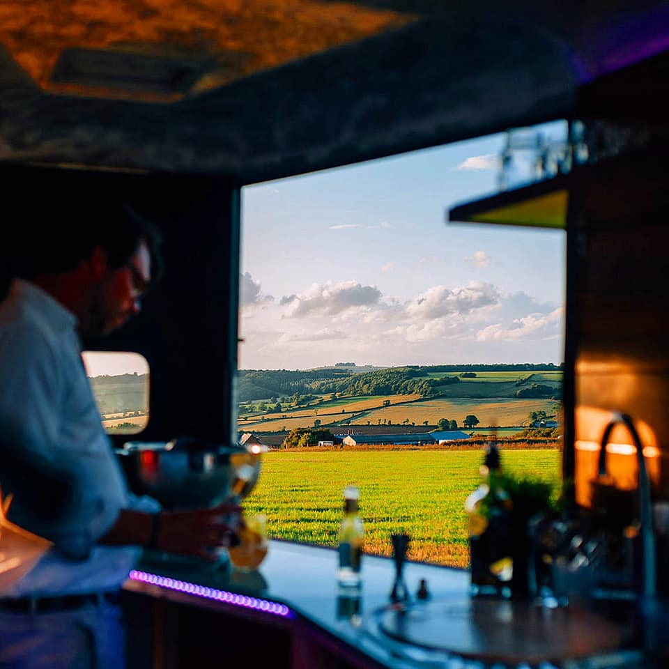 The Scenic Supper - Best Restaurants Cotswolds - Toby at bar