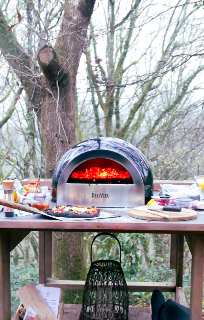 Hudnalls Hideout - treehouse to stay in, Wye Valley. Pizza oven