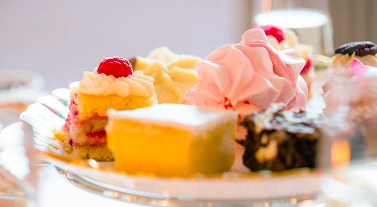 abergavenny-hotel high tea cakes close up