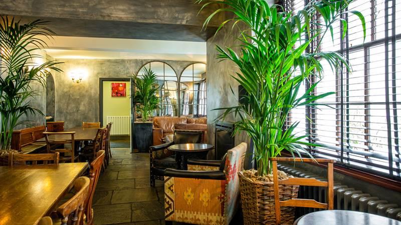 abergavenny-hotel oak room at angel hotel