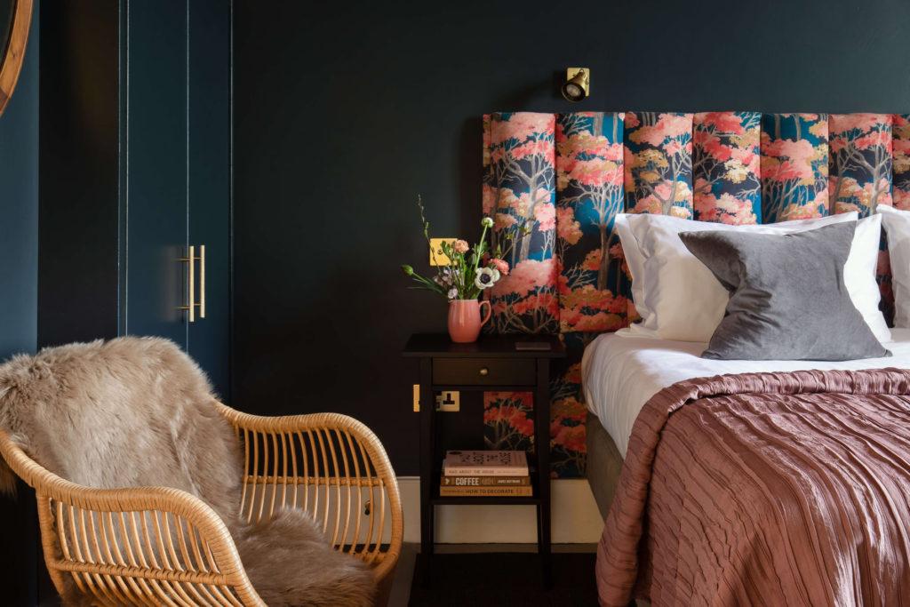lyme-regis-accommodaion-dorset-house bedroom