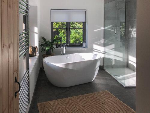 lyme-regis-quarrymanscottage bathroom