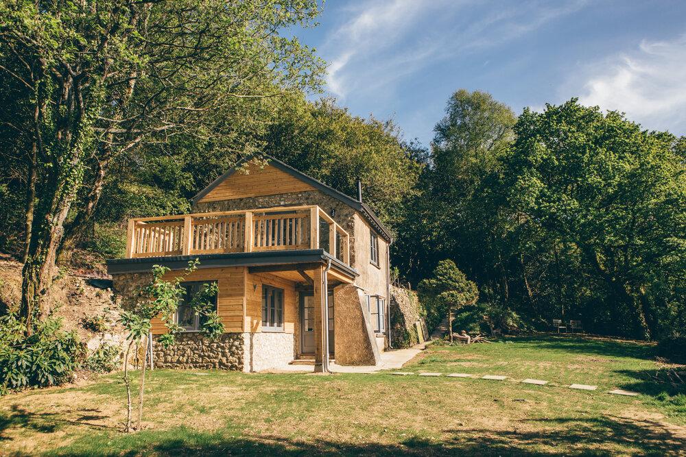 lyme-regis-quarrymanscottage garden and house
