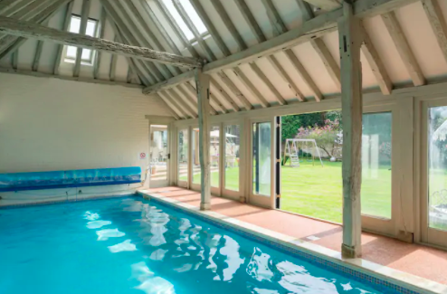The Old Dairy Sussex - Self Catering Cottage with Indoor pool - pool
