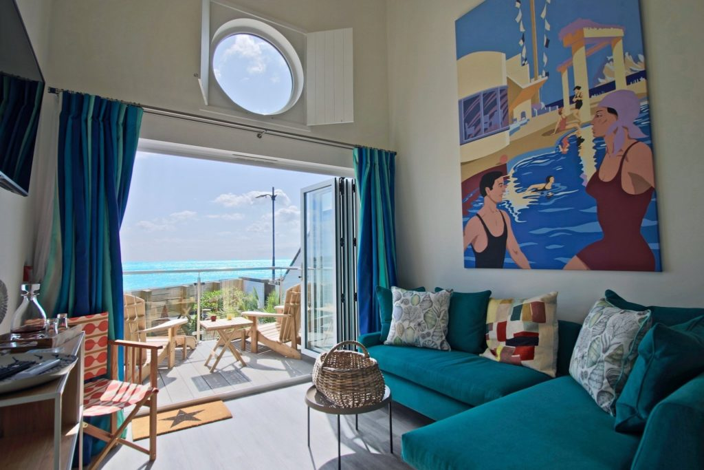 Beachcroft-beach-hut-sussex interior