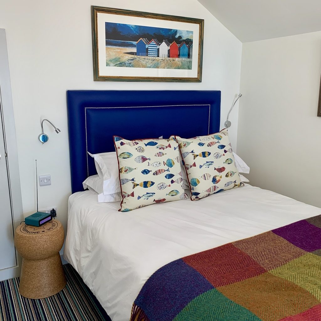 beachcroft beach huts - bedroom